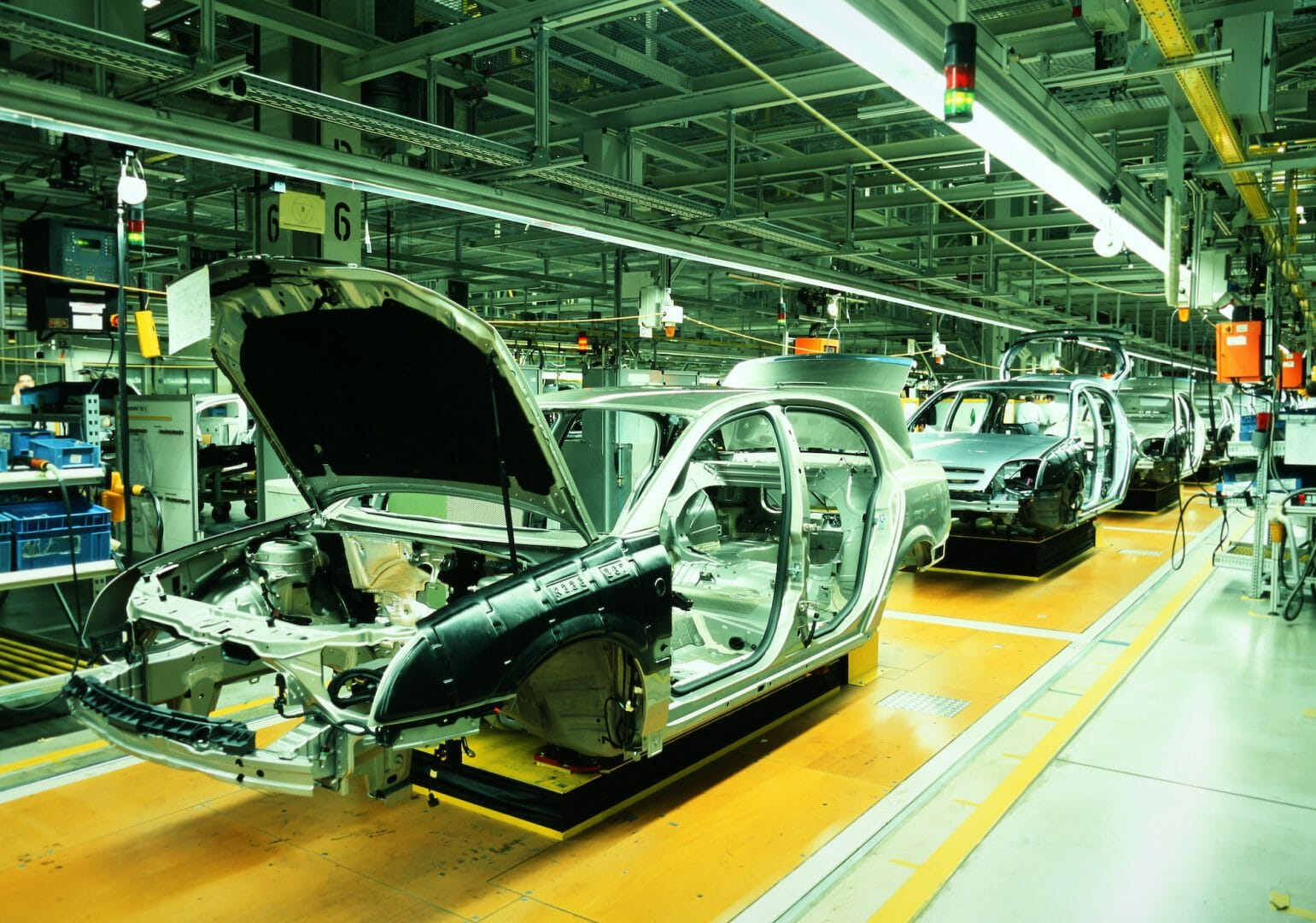 How Automotive Laser Technology Makes Manufacturing More Efficient